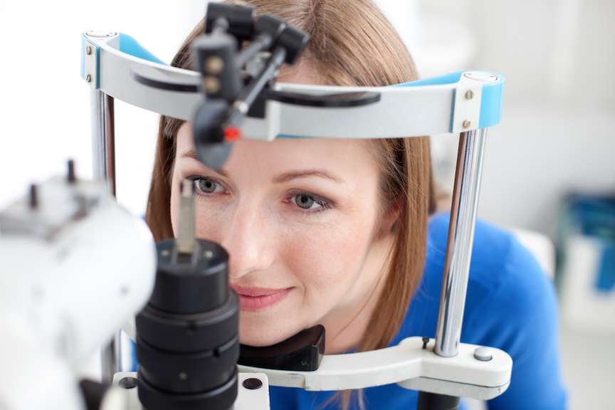 Get every eye exam by a qualified eye doctor. Avoid online eye exams.